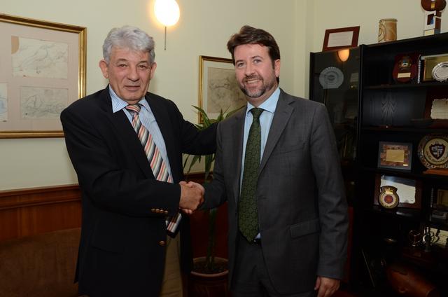 La c mara se alinea con el presidente del cabildo y for Convenio oficinas y despachos tenerife
